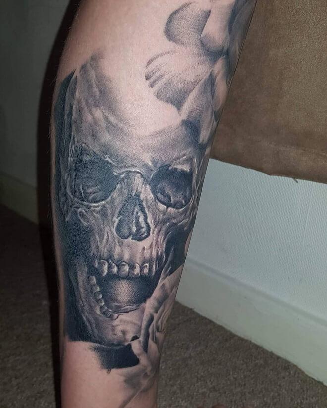Skull tattoo idea for Men