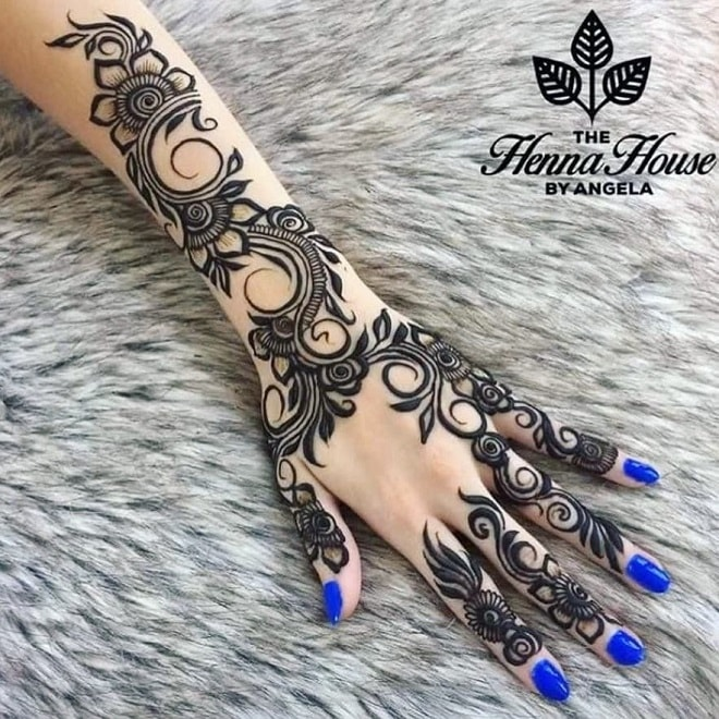 natural henna tattoo
