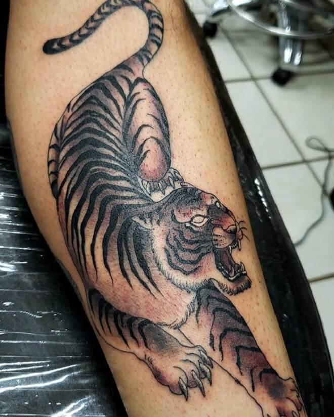 Hand Tiger Tattoos